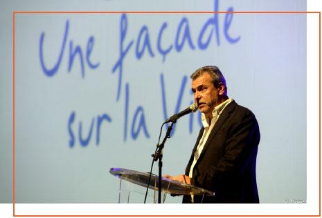 Christian BADIA, Fondateur d'Une façade sur la Vie lors du concert au Casino Barrière.